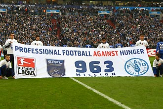 Profifußball gegen Hunger