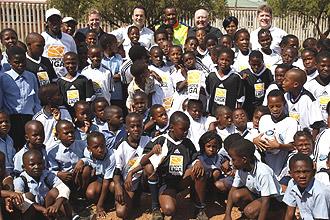 Delegation besucht Hilfsprojekt in Südafrika