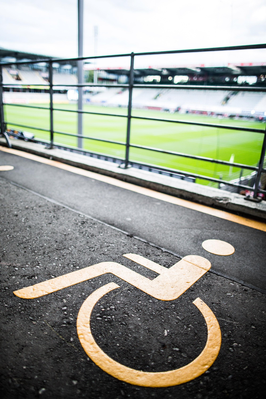 Reiseführer für Fußballfans mit Behinderung