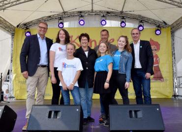"""""""Kindern eine Stimme geben!"""" – Bundeszentrales Weltkindertagsfest in Berlin eröffnet"""