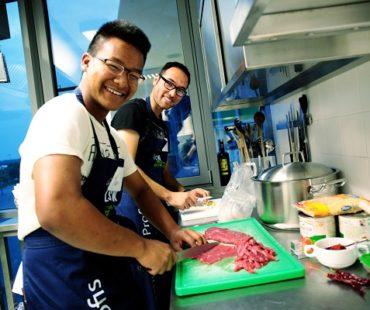 Kicken und Kochen mit Flüchtlingen © VfL Wolfsburg