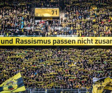 Tolle Aktion vor der Bundesliga-Partie zwischen BVB und Sport-Club © DFL DEUTSCHE FUSSBALL LIGA / Lukas Schulze