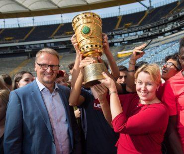 Bundesfamilienministerin Dr. Franziska Giffey würdigt