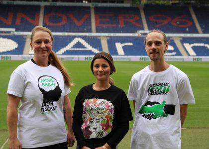 """""""96-Shirt gegen Rassismus"""""""