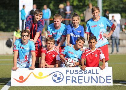 Fußballspielen wie die Profis – Inklusive FußballFreunde-Cups 2019