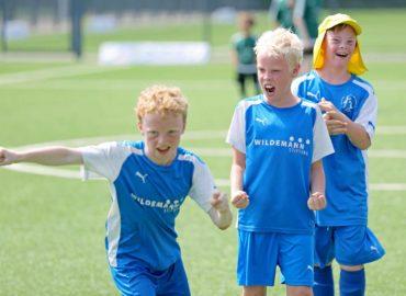 Strahlende Kindergesichter beim FußballFreunde-Cup West bei Borussia Mönchengladbach