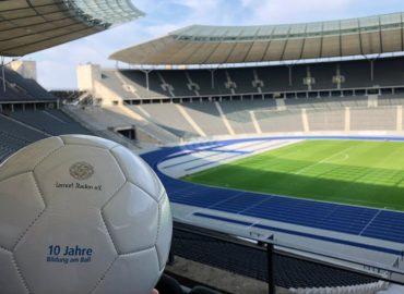 Zehn Jahre Lernort Stadion: Bildungsprojekt der DFL Stiftung erreichte schon 60.000 Jugendliche