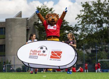 "Bildungsprojekt ""Fußball trifft Kultur"" erhält UEFA Foundation for Children Award 2019"