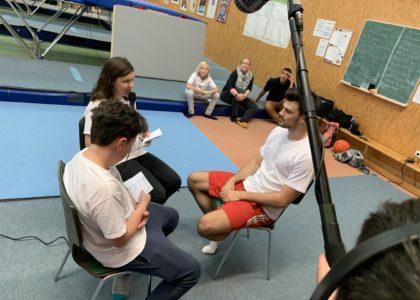 Kinder interviewen Spitzensportler