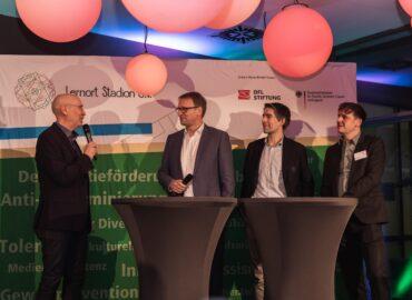 """Grün-Weißes Klassenzimmer: """"Wolfsburger Abend"""" von Lernort Stadion im Zeichen der Vielfalt und Inklusion"""