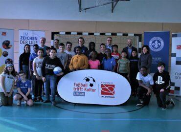 """SV Darmstadt 98-Profi Yannick Stark eröffnet 20. """"Fußball trifft Kultur""""-Standort"""