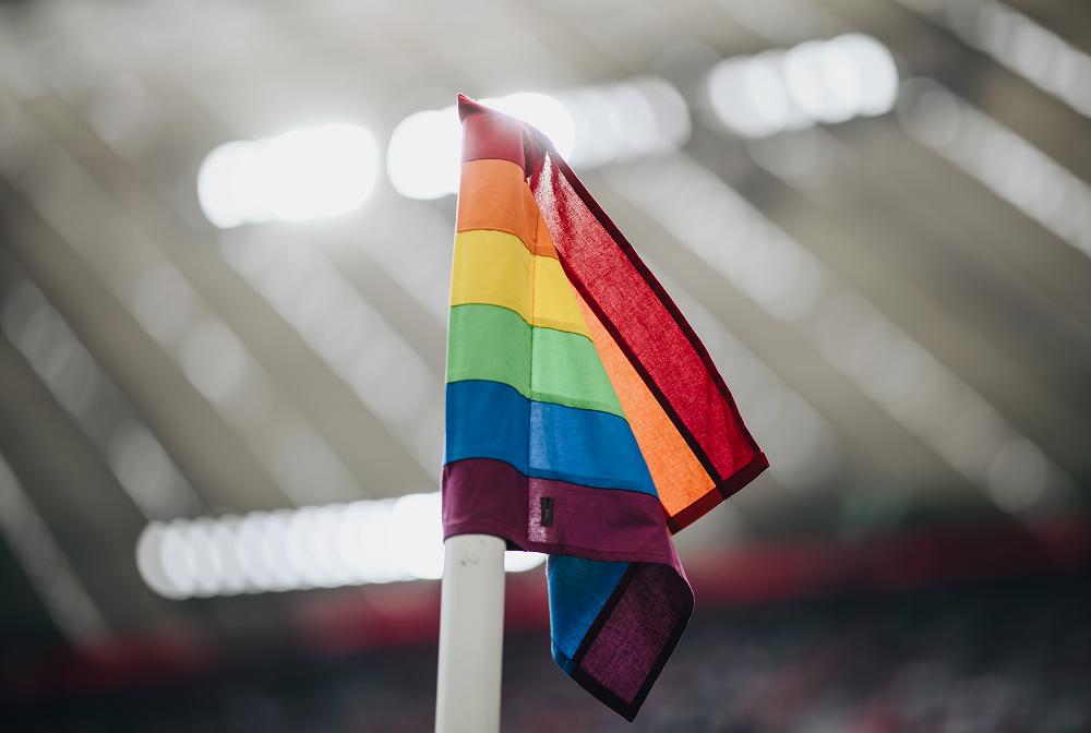 DFL und DFL Stiftung engagieren sich gemeinsam mit der Bundesstiftung Mangnus Hirschfeld für eine offene Kultur in der Bundesliga und 2. Bundesliga